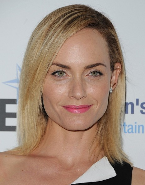 More Pics of Amber Valletta Medium Straight Cut (1 of 10) - Amber Valletta Lookbook - StyleBistro