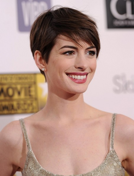 More Pics of Anne Hathaway Pixie (6 of 10) - Anne Hathaway Lookbook - StyleBistro