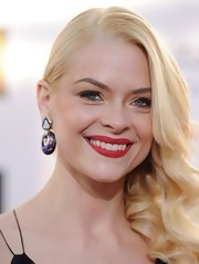 Jaime's tumbling bottle-blond curls looked simply radiant at the 2013 Critics' Choice Awards.