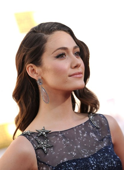 More Pics of Emmy Rossum Retro Hairstyle (1 of 14) - Emmy Rossum Lookbook - StyleBistro