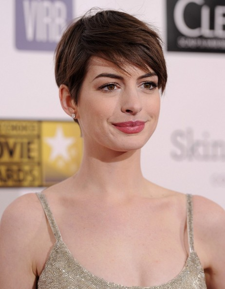 More Pics of Anne Hathaway Pixie (3 of 10) - Short Hairstyles Lookbook - StyleBistro