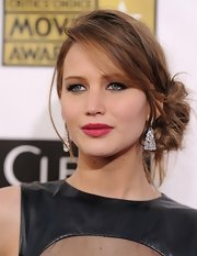 Berry-kissed lips rounded out Jennifer's elegant style at the 2013 Critics' Choice Awards.