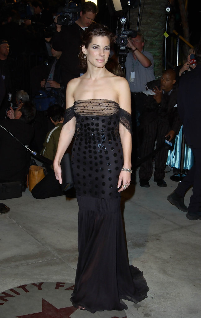 CREDIT:AXELLE/BAUER-GRIFFIN.COM.VANITY FAIR OSCAR PARTY.MORTON'S LOS ANGELES, CA MAR 24 2002..PIC SHOWS:SANDRA BULLOCK