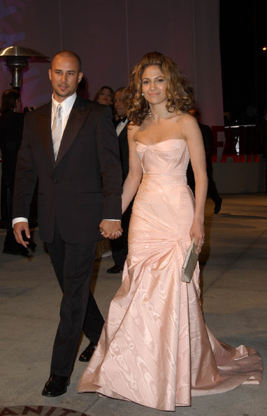 Jennifer Lopez, 2002 - The Best Oscar Gowns of the Decade - StyleBistro