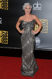 Pink showed off her toned arms at the AMA Awards in this strapless sparkling number.