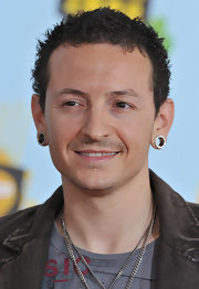 Chester Bennington attended the 2008 Kids' Choice Awards sporting a messy 'do.