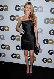 Katie Cassidy looked stunning in a strapless cocktail dress. She paired her look with purple pumps.