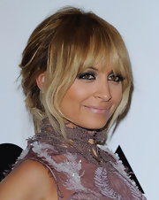 Nicole Richie wore a dramatic metallic shadow in a smoky, gunmetal gray shade at the 2011 MOCA Gala.