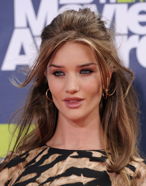 Rosie+Huntington-Whiteley in 2011 MTV Movie Awards