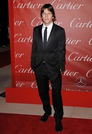 Jesse looks debonair in a classic suit at the Palm Springs International Film Festival Awards Gala.