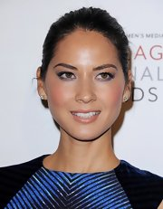 We loved the soft purple hues of Olivia's smoky eye makeup.