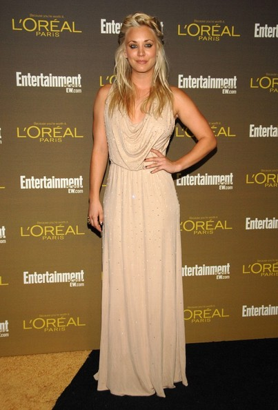 More Pics of Kaley Cuoco Loose Braid (1 of 6) - Loose Braid Lookbook - StyleBistro