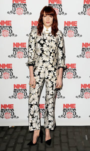 Florence Welch topped off her printed suit with black d'orsay pumps.