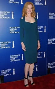 Nicole Kidman looked regal as ever in this dark teal cold-shoulder dress.