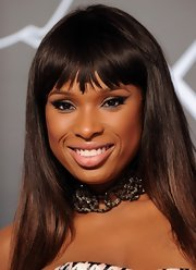 JHud may have brougth the drama with her eyeshadow, but she left her lips nearly bare with a careful swipe of a nude lipstick.