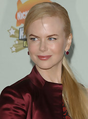 Nicole Kidman showed off a sleek ponytail at the 2007 Kids Choice Awards. A easy yet chic hairstyle.