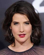 Cobie Smulders wore her shoulder-length crop in loose curls at the premiere of '21 Jump Street.'
