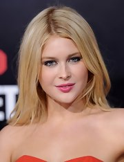 Renee Olstead attended the premiere of '21 Jump Street' wearing a sheer wash of fuchsia lip stain.