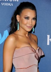 Naya Rivera jumped on the nude lip trend with this barely-there lip color.
