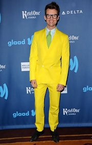 Brad Goreski is not one to shy away from color, as he showed at the GLAAD Media Awards, where he donned this canary yellow suit with a green polka dot tie.