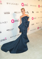 Kristin Cavallari made a dramatic entrance in a sculptural strapless gown with a sweeping hem at the Elton John AIDS Foundation Oscar-viewing party.