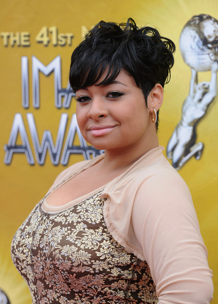 Raven sported a cute short cute and wispy bangs.