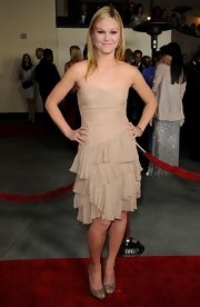 Julia Stiles was a modern day Cinderella at the DGA Awards in Rene Caovilla's Swarovski crystal-adorned peep toes.