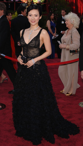 The Asian beauty looked ravishing at the 2005 Academy Awards in this black lace and ruffles Monique Lhullier gown.