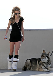 AnnaLynne opted to go sans pants for the filming of 90210 at the Griffith Observatory.