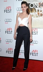 KStew borrowed a page straight from the Balenciaga spring 2013 runway in these classic pleated navy trousers.