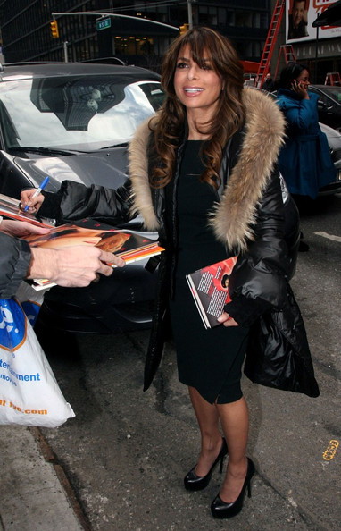 Paula Abdul met with fans in a pair of classic black leather platforms.