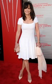 Sally looked like a breath of fresh air in this white knit fit-and-flare dress.