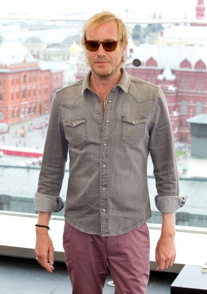 More Pics of Rhys Ifans Wayfarer Sunglasses (1 of 9) - Rhys Ifans Lookbook - StyleBistro