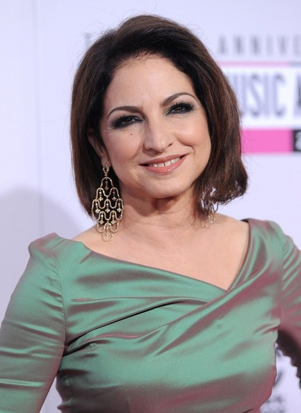 Gloria Estefan S Sophisticated Hairstyle Haute Hairstyles For