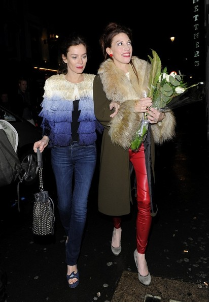 More Pics of Anna Friel Skinny Jeans (1 of 12) - Anna Friel Lookbook - StyleBistro