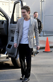 Chace paired his black slacks with a cool gray blazer.
