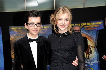 "Asa Butterfield Chloe Grace Moretz ""Hugo"" Royal Premiere in London"