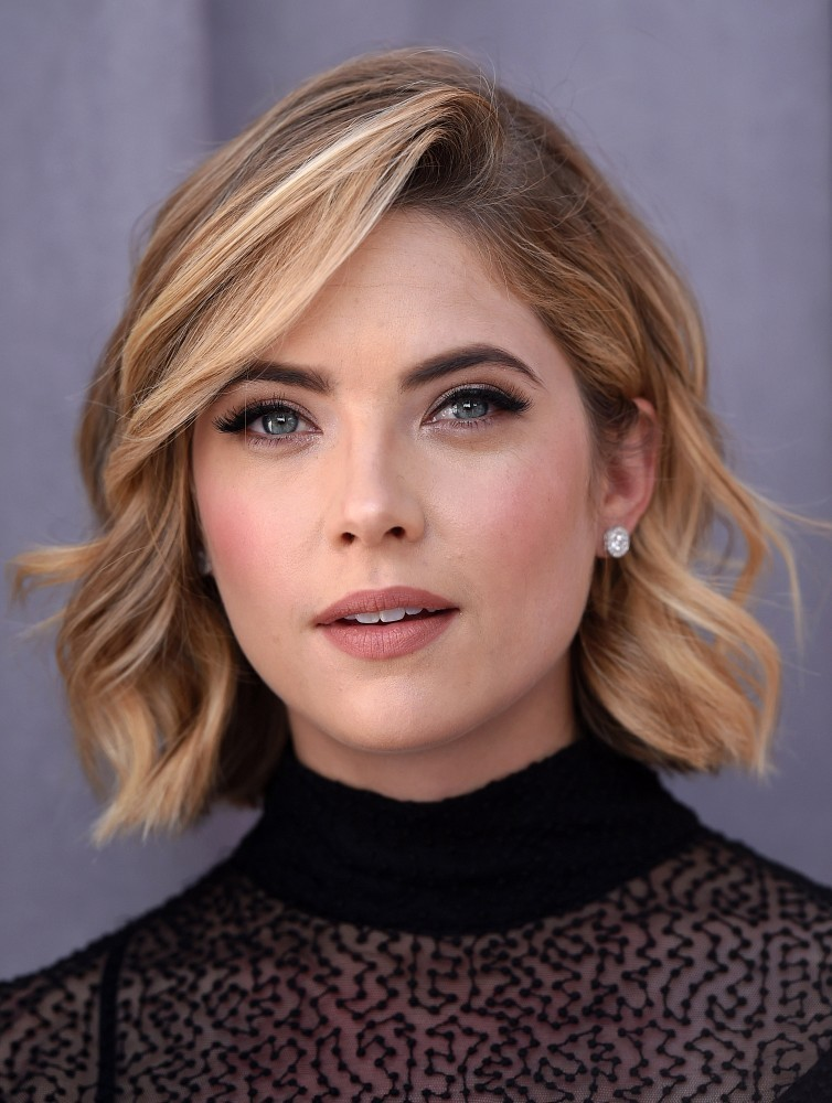Ashley Benson Short Wavy Cut Short Hairstyles Lookbook