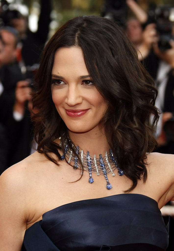 Asia Argento Medium Wavy Cut Asia Argento Looks