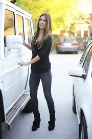 Audrina Partridge chose fitted skinny jeans for a day of errands.