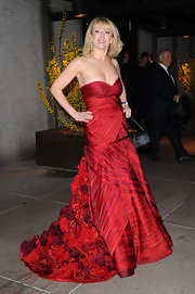 Ramona Singer wowed the crowd in a stunning red strapless dress during the wedding of Bethenny Frankel.