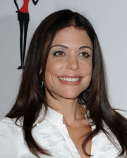 Bethenny Frankel added a touch of icy metallic silver shadow to brighten her eyes for the launch of Skinnygirl Daily.