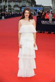 Rachel Weisz looked elegant and ethereal in this silk chiffon tiered gown.