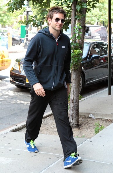 Bradley Cooper Arrives at His NYC Hotel