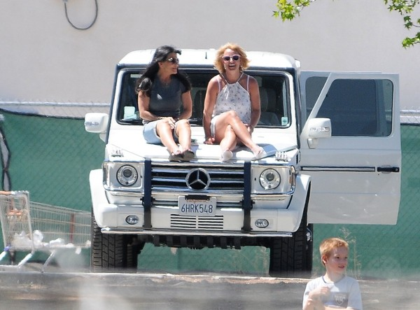 Lynne Spears and Britney Spears Out in LA