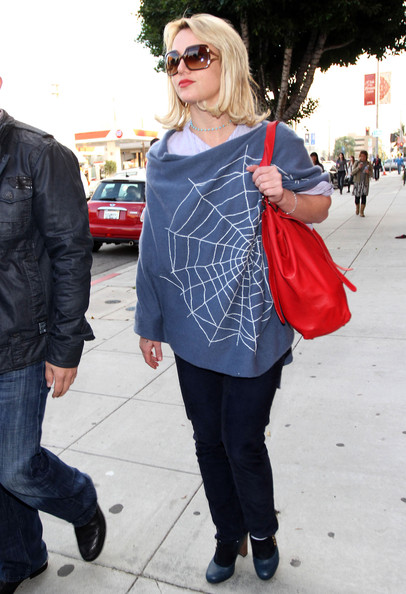 More Pics of Britney Spears Mid-Length Bob (2 of 8) - Britney Spears Lookbook - StyleBistro