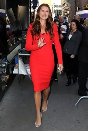 Brooke was red hot in this long-sleeve red dress for her arrival at 'Good Morning America.'