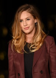 Dylan Penn attended the Burberry London in Los Angeles show wearing her hair in chic face-framing layers.