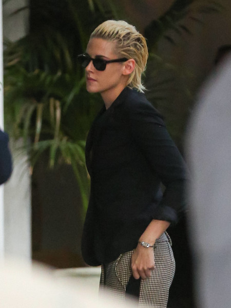 More Pics of Kristen Stewart Print Pants (1 of 2) - Pants & Shorts Lookbook - StyleBistro
