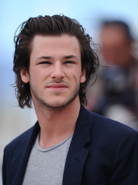 Gaspard slicks back his tousled mane. The dimpled actor tends to keep his hair looking slightly disheveled.